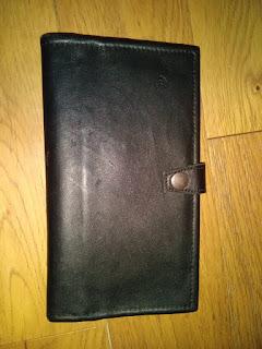 Vue fermée du wallet en cuir