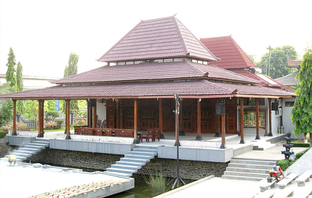 Rumah Bangsal Kencono Keraton, Rumah Adat Yogyakarta