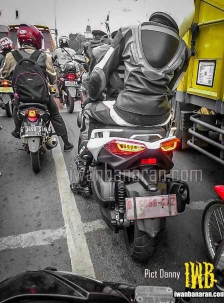 Yamaha-X-Max-250-uji-jalanan