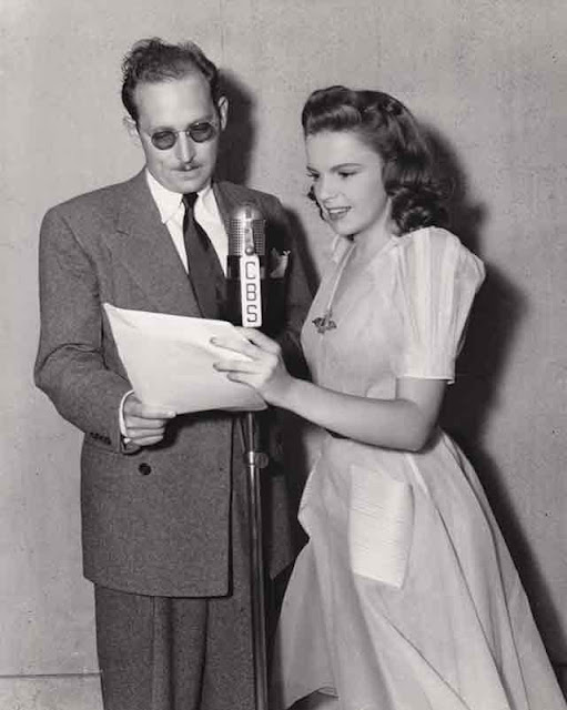 Judy Garland with producer Ted Sherdeman on 12 October 1941 worldwartwo.filminspector.com