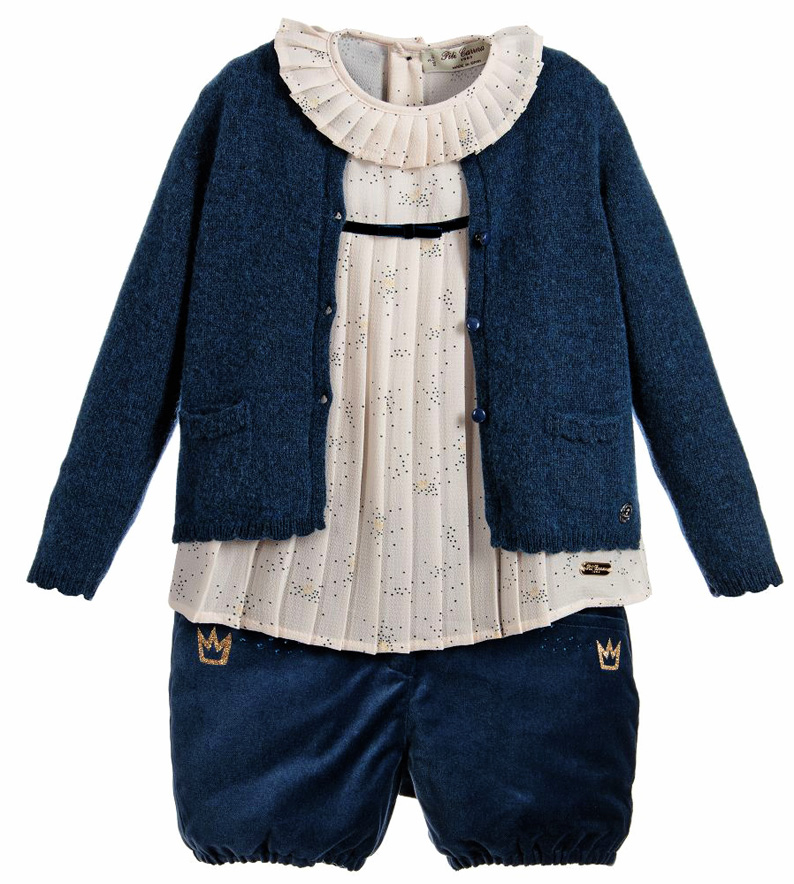 4f59d017db74 Must Have of the Day  Knitwear and pullovers to treasure from Pili ...