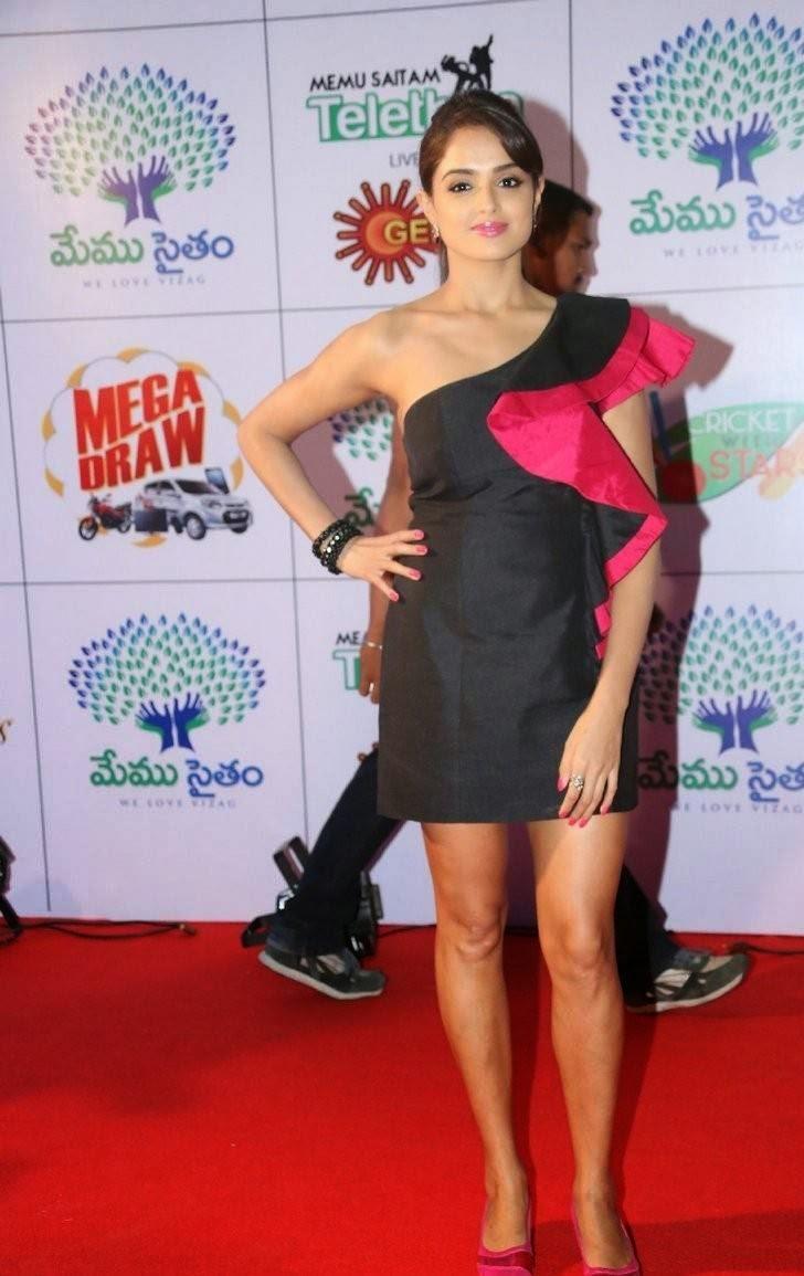 Actress Asmita Sood Unseen Stills, Asmita Sood Sexy Photos in Hot Black Dress Without sleeve
