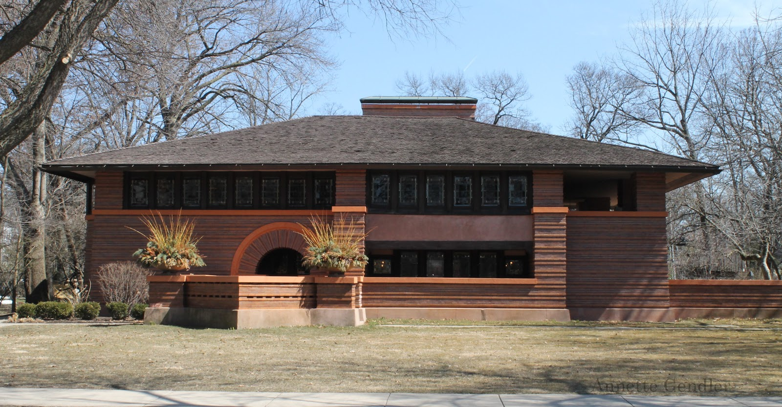Touring the frank lloyd wright historic district of oak - Frank lloyd wright style ...
