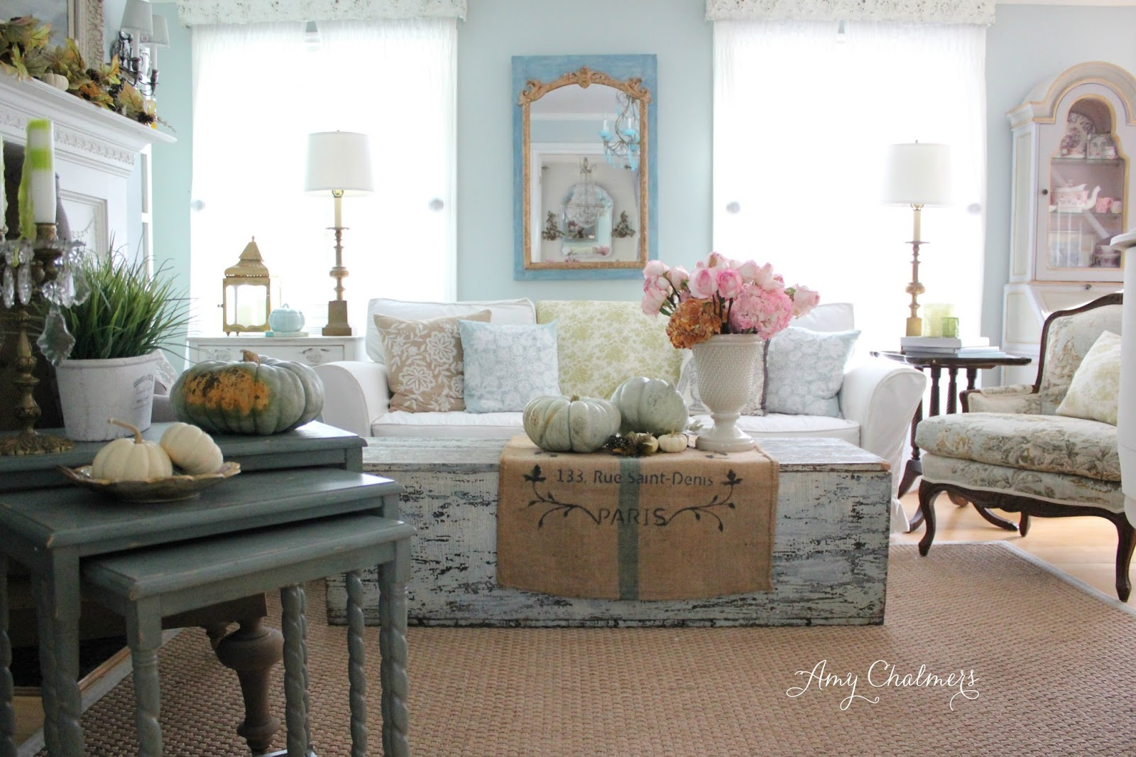 Maison decor a fall french country home tour with soft for Maison deco