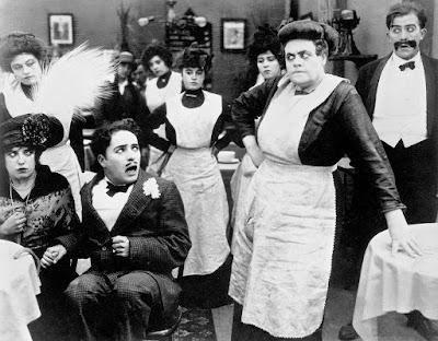 "Чарли Чаплин, Мэйбл Норманд и Мари Дресслер в ""Прерванном романе Тилли"" (1914) - 1"