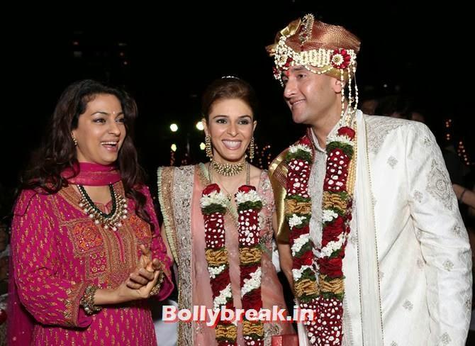 Juhi Chawla with the newlyweds, Singer Raageshwari's wedding Pics