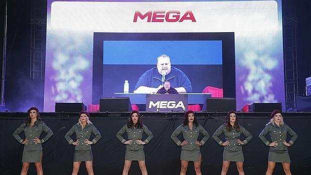 Ahora Mega no es de nuestro @KimDotcom y el nos alerta en algo