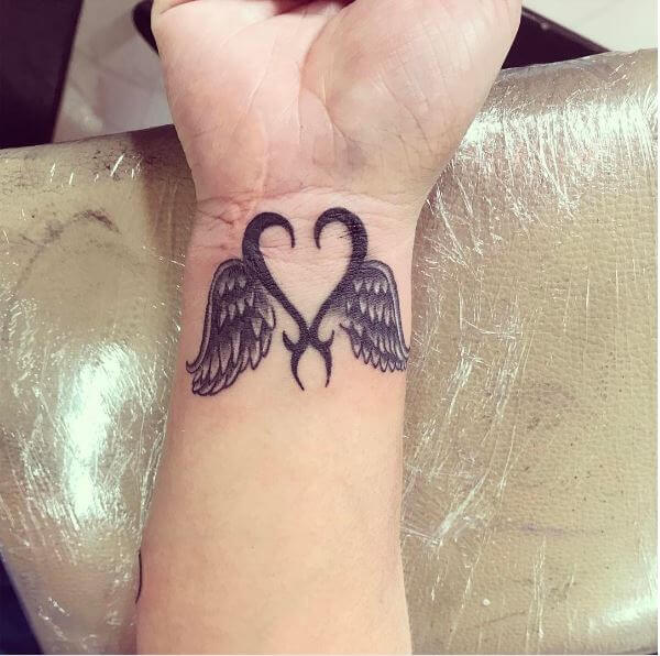 49 best angel tattoos designs for men women 2018 tattoosboygirl. Black Bedroom Furniture Sets. Home Design Ideas