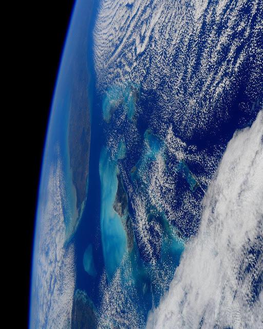 Penampakan Bumi Secara Vertikal