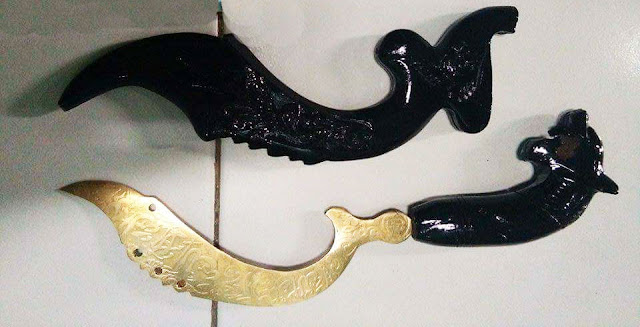 Gambar Kujang Senjata Tradisional Jawa Barat
