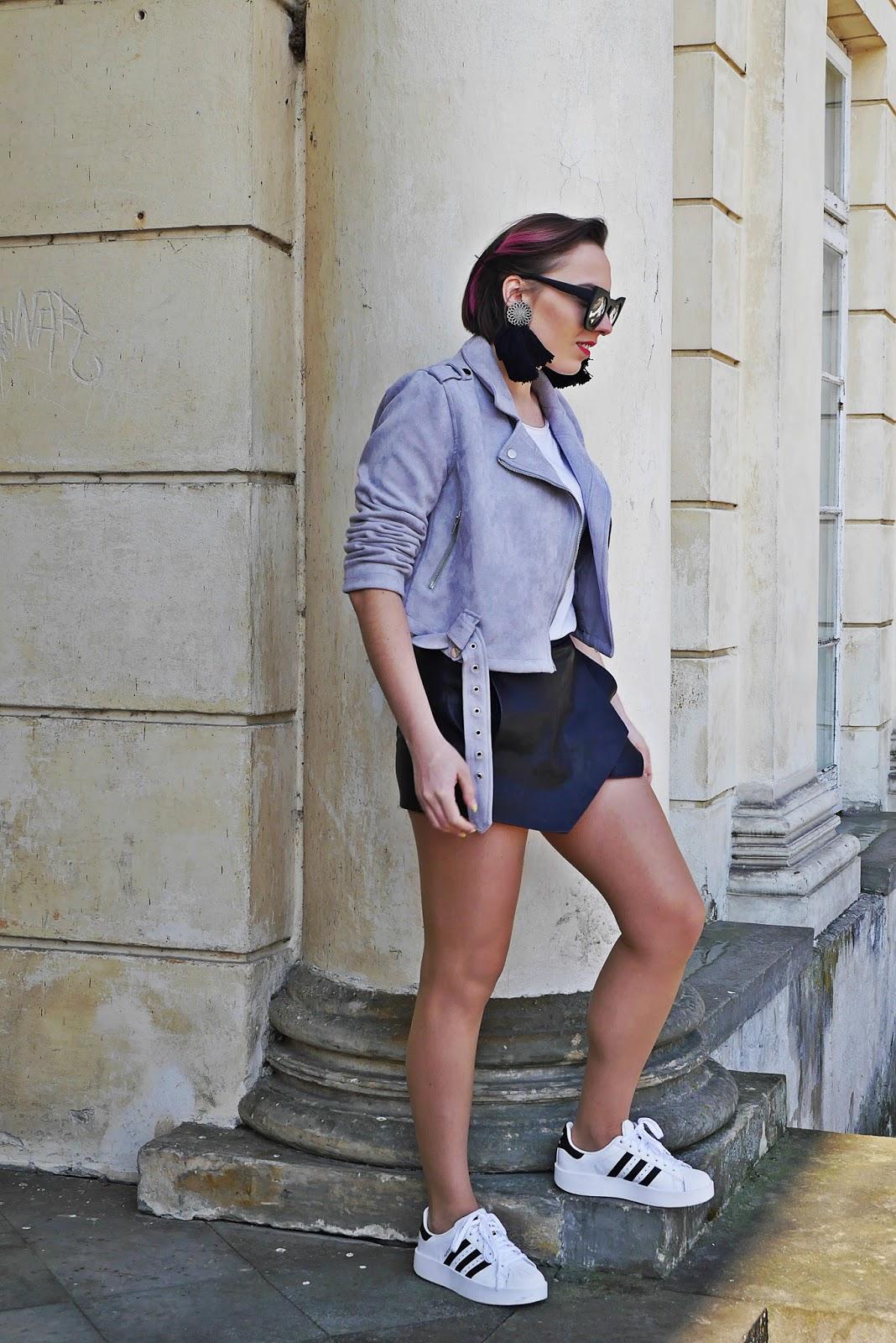 5_adidas_superstar_szara_ramoneska_asymetrczne_szorty_zara_karyn_blog_modowy_250318d