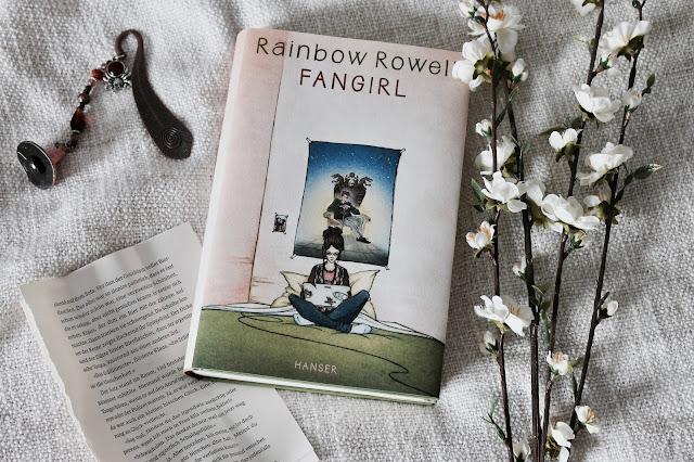 Rezension Fangirl von Rainbow Rowell, Miss Paperback