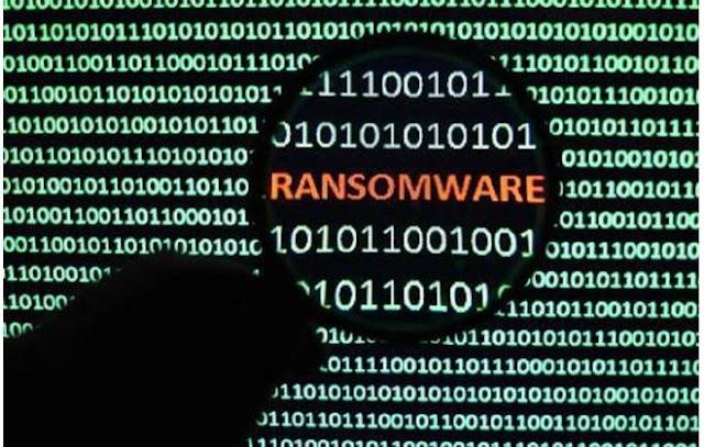 Um levantamento publicado (pdf) recentemente pela empresa de segurança digital Carbon Black revelou que o mercado de ransomware teve um crescimento de 2.502% de 2016 para 2017. No ano passado, as vendas de softwares maliciosos desse tipo renderam cerca de US$ 250 mil (R$ 810 mil); neste ano, esse valor saltou para mais de US$ 6,2 milhões (R$ 20 milhões).