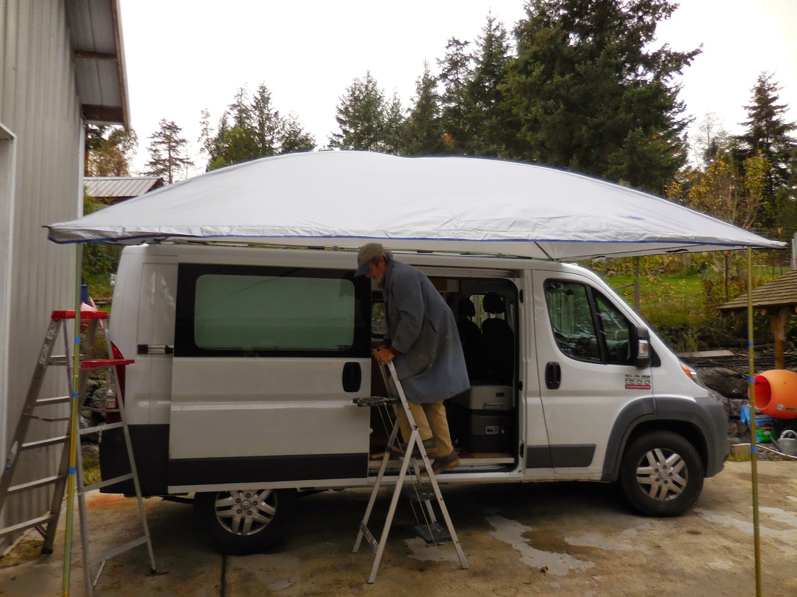Ezy Awning Meets The Promaster