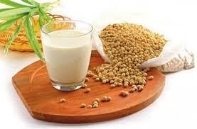 tác dụng làm đẹp của sữa đậu nành