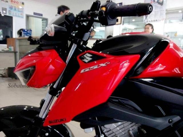 Akan seperti apa penampakan GSX-S150 versi touring yang akan disirilis Suzuki Indonesia hari ini ?