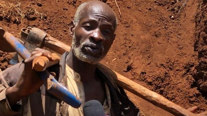 'Hero' digs road by hand for Kenyan villagers