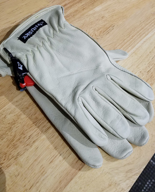 Husky Water resistant leather gloves in light grey