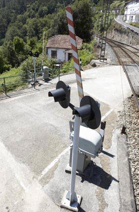 La lista de 74 pasos a nivel de trenes que suprimirá Adif hasta 2024