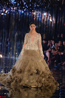 Alia Bhatt and Ranveer Singh walks the ramp for Manish Malra during Indian Couture Week 2017 Grande Finale  2 ~  Special 002.jpg