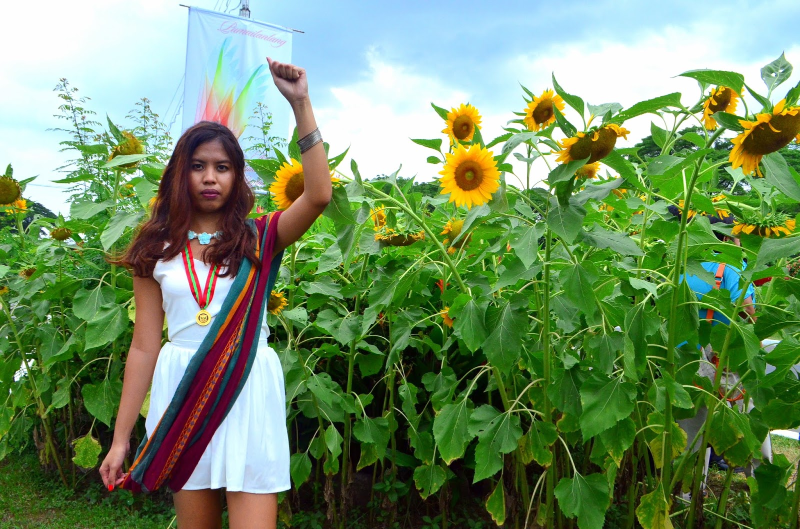 UP Diliman graduation 2016 sunflowers