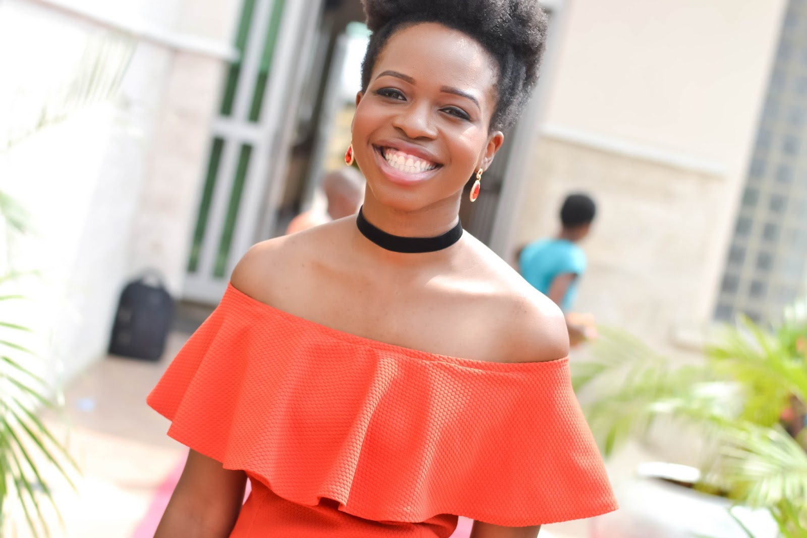 Natural Hair on a Happy Fashion Influencer