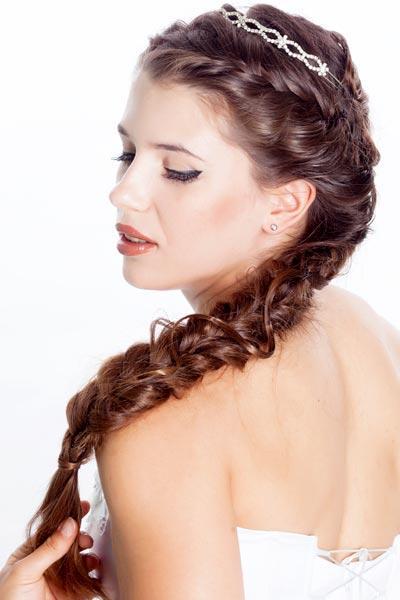 70 Trenzas para inspirar tu peinado de novia Bodas Colorín Colorado - Peinados Para Novia Trenzas