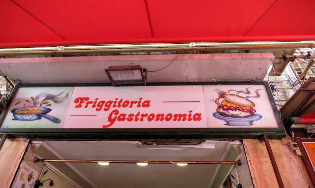 Streat Palermo Tour Sicily - Friggitoria gastronomia da Arianna