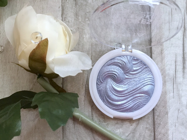 mua undress your skin highlighter ice sparkle
