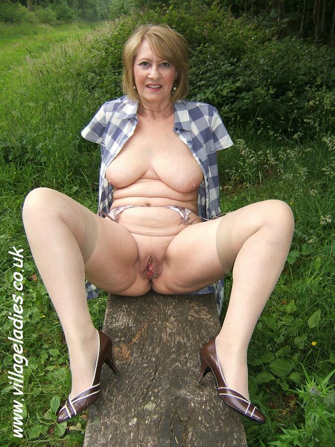nude mature women uk