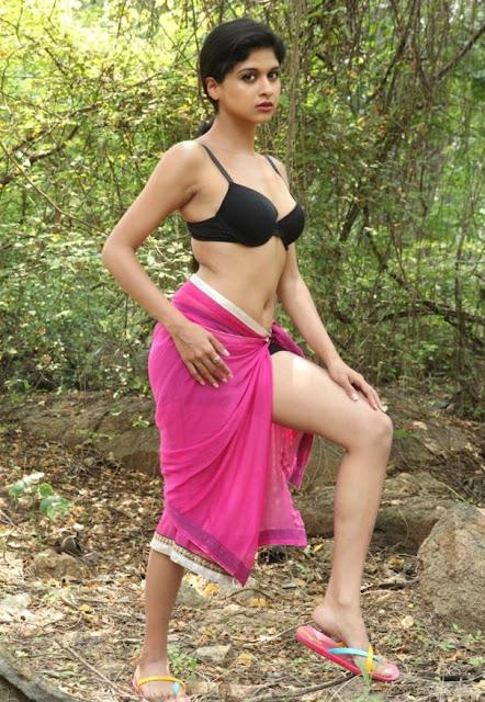 Mrudhula Bhaskar Hot Photoshot