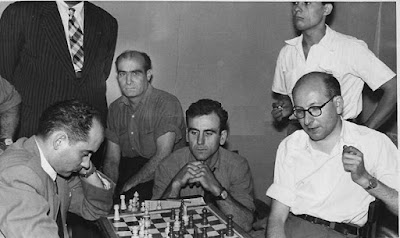 Partida de ajedrez Josep Sagarra (Mequinença) - Ramon Gensana (Lleida) en 1957