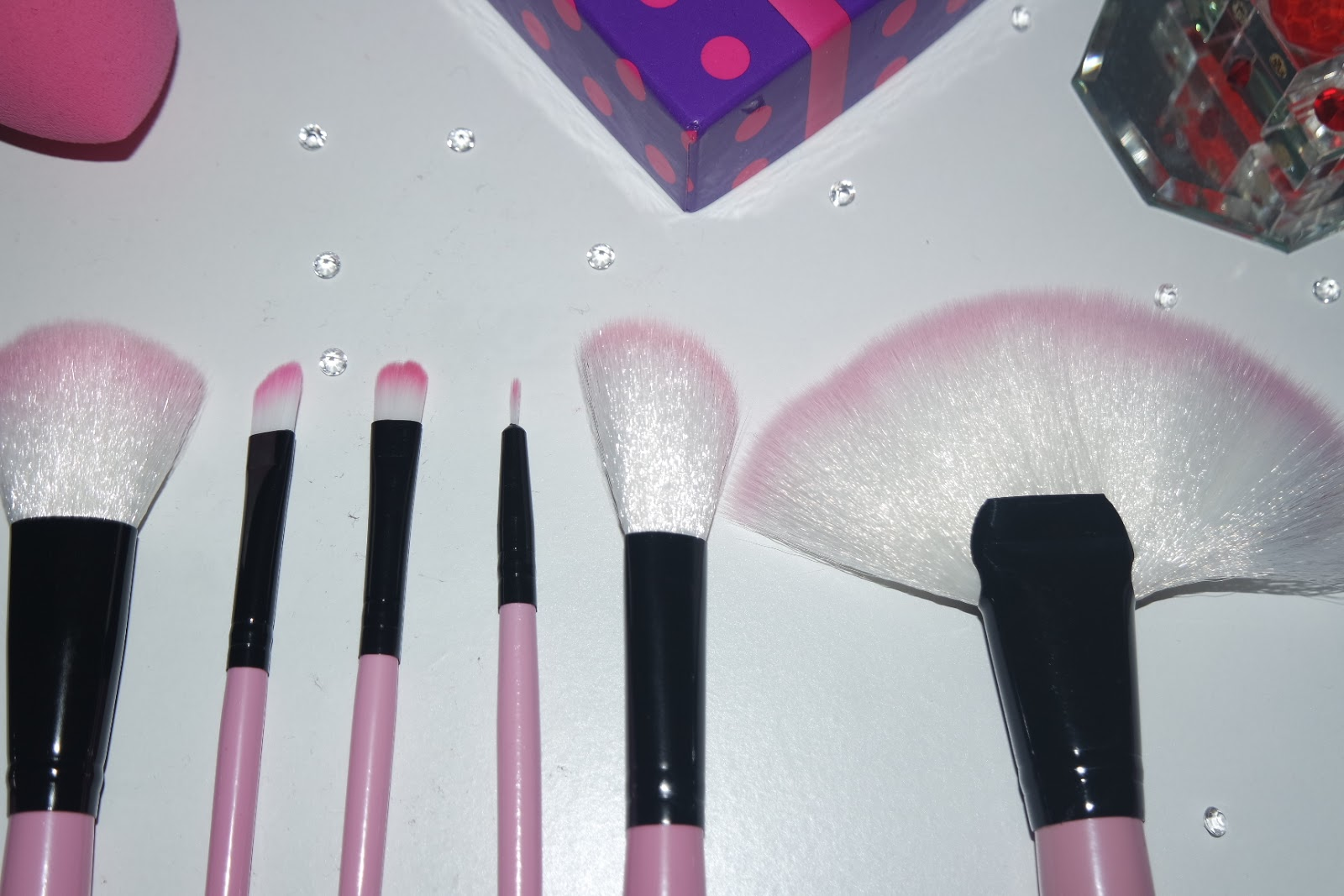 Tashika Bailey | 32 Piece Pretty Pink Brush Set