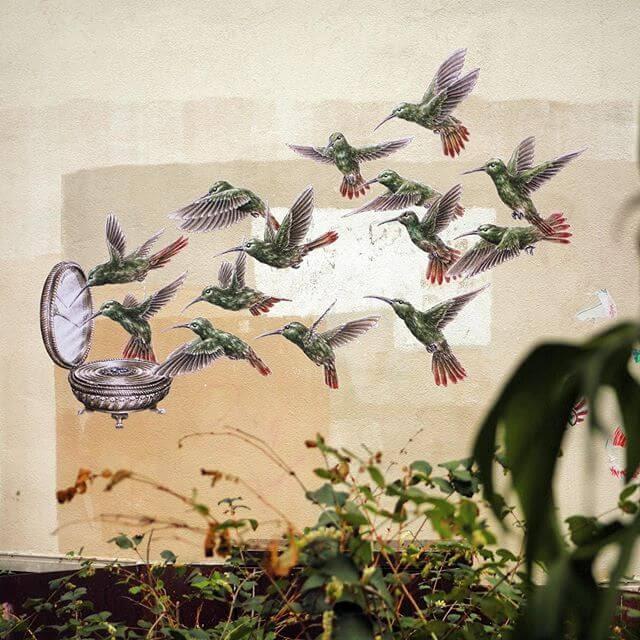 01-Hummingbirds-compact-mirror-Steeven-Salvat-www-designstack-co