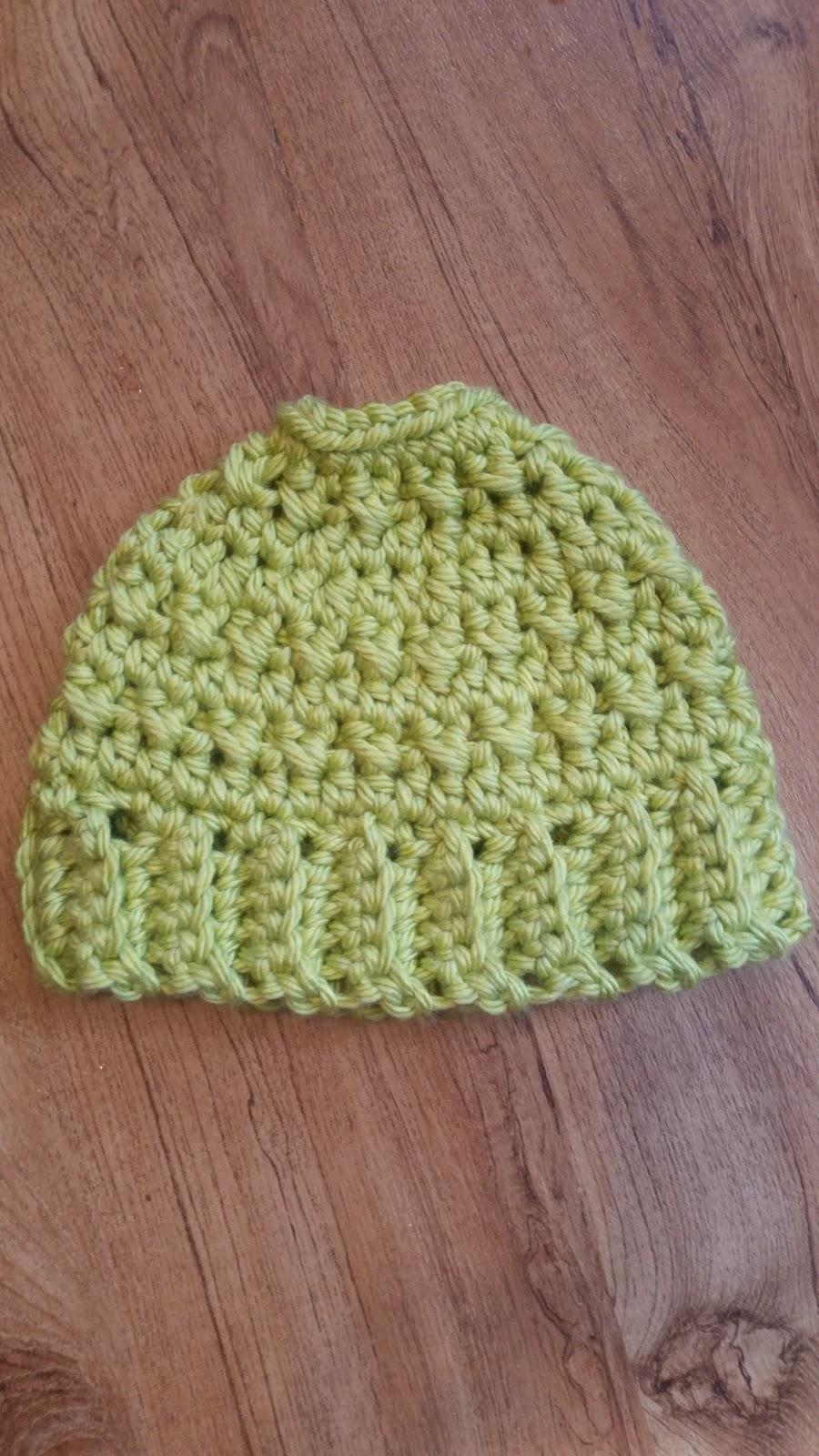 Messy Chunky Beach Waves Easy Tutorial: Knottz Of Yarn: Crochet Messy Bun/Ponytail Hat Pattern