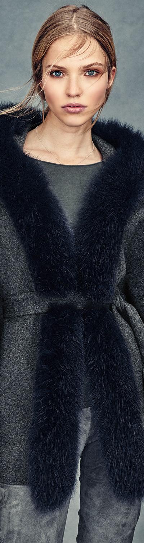 Neiman Marcus Cashmere Collection Fox-Trim Belted Cashmere Cape