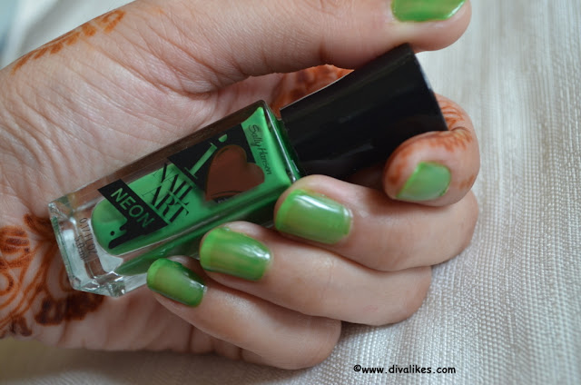 Sally Hansen I Heart Nail Art Neon Nail Color Hot Wasabi Review
