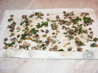 reteta preparare placinta cu ciuperci cu foi de cumparat,