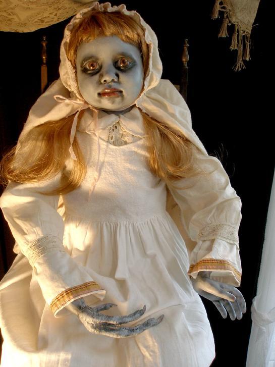 inilah boneka paling mengerikan dan menyeramkan di dunia