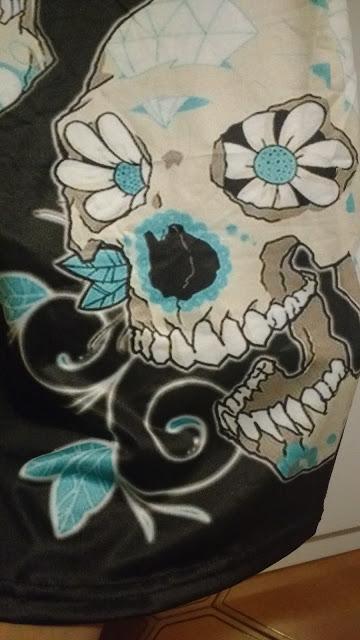 Recebidos Loja Dresslily blusa caveira detalhes