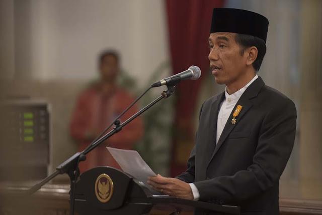 Pidato Hari Guru, Jokowi Tekankan Anak-anak Didik Harus Tahu Etika Kejujuran : kabar Terupdate Hari Ini