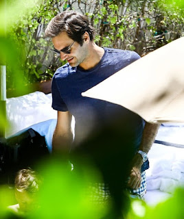 Photos: Roger Federer & Family Relax Poolside in Miami