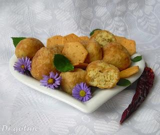 Kulki z kaszy manny (z krakersami)