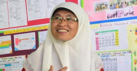 Muslimah Ini Menjadi Bidan Sekaligus Guru Bagi Anak-Anak Di Wilayah Terpencil
