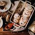 Bułki cynamonowe ze słodkim serkiem śmietankowym - najlepsze na ciepło!