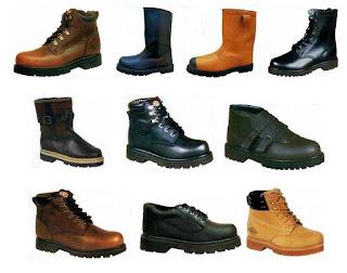 salah satu perlengkapan alat pelindung diri  Fungsi sepatu safety manfaat sepatu safety