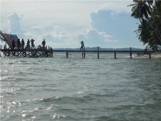 dermaga pantai palippis tempat berfoto