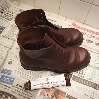 Vastalankatut kengät ja lankkiputkilo