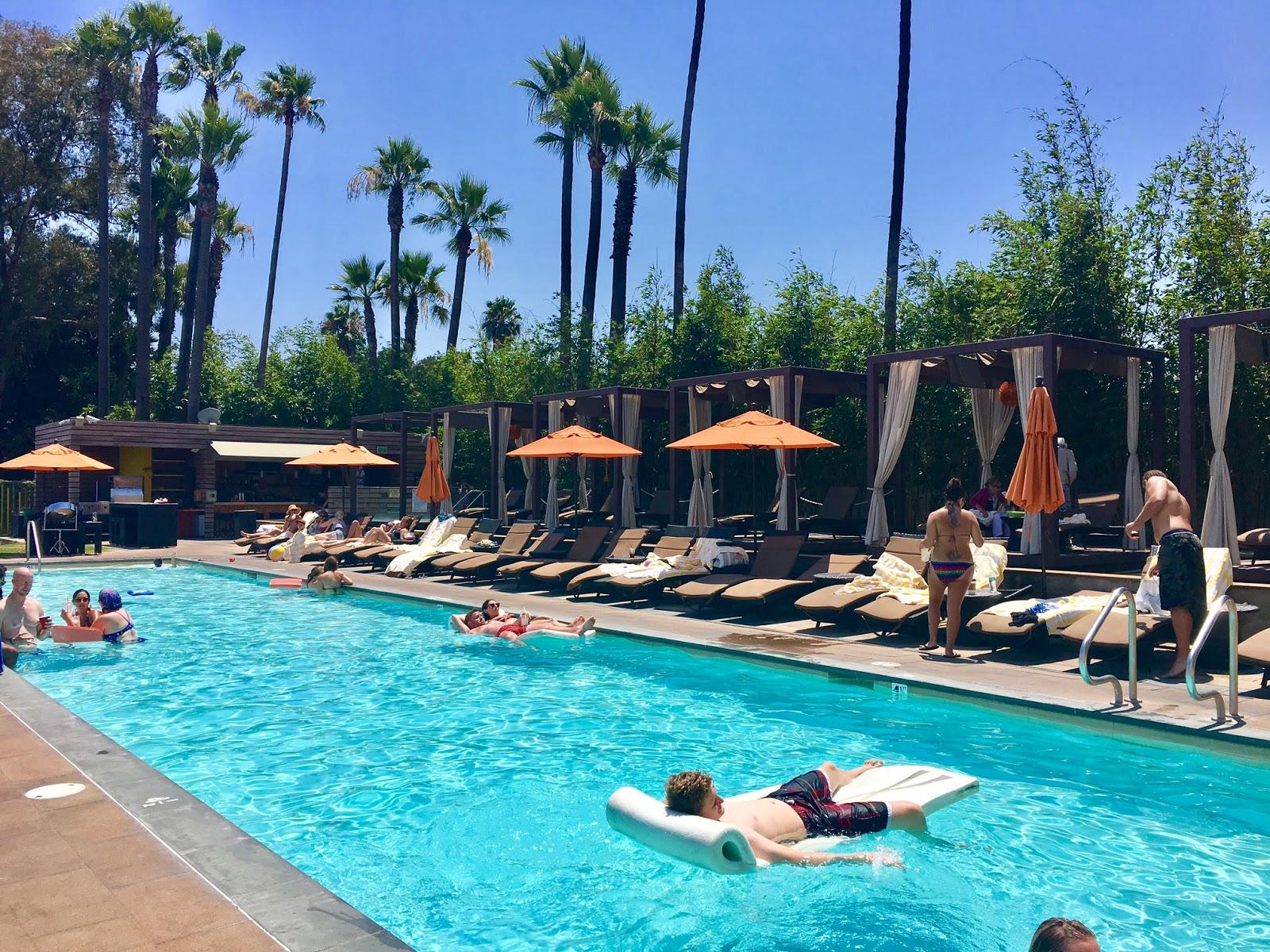 Hotel Maya Pool