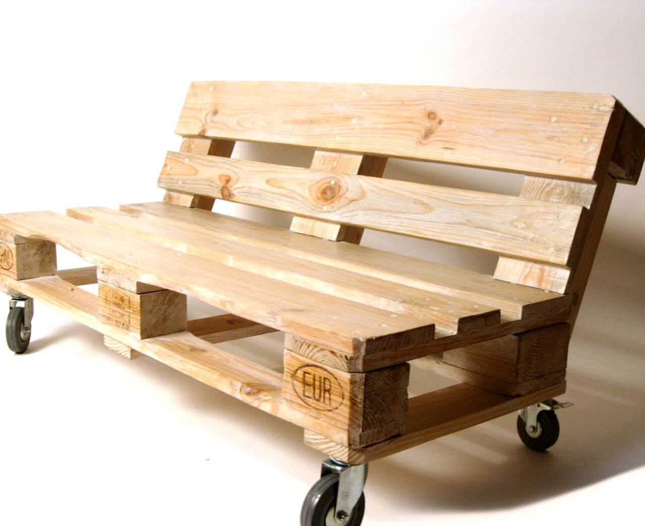 35%2BGenius%2BDIY%2BWood%2BPallet%2BFurniture%2BDesigns%2B%25282%2529 35 Genius DIY Easy Wood Pallet Furniture Designs Ideas Interior